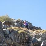 17 Subiendo entre las rocas
