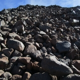 53 Sobre Rocas Amontonados