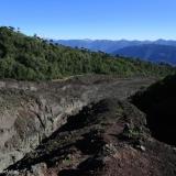 25 Sendero Sobre Material Volcánico