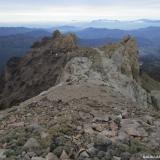 28 Puntas Rocosas en el Filo Cumbrero del Co. El Agujereado 2.522msnm