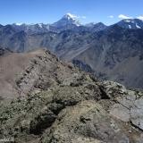 27 Monte Aconcagua 6.956msnm & Co. Tolosa 5.353msnm desde la Cumbre Co. Ojos de Agua 4.222msnm