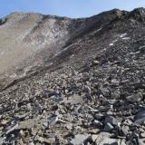 23 Remontando Acarreos hacia la Cara E del Co. Piedras Negras 3.776msnm