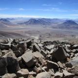 57 Desde la Cumbre Vn. Sairecabur 5.971msnm hacia Bolivia